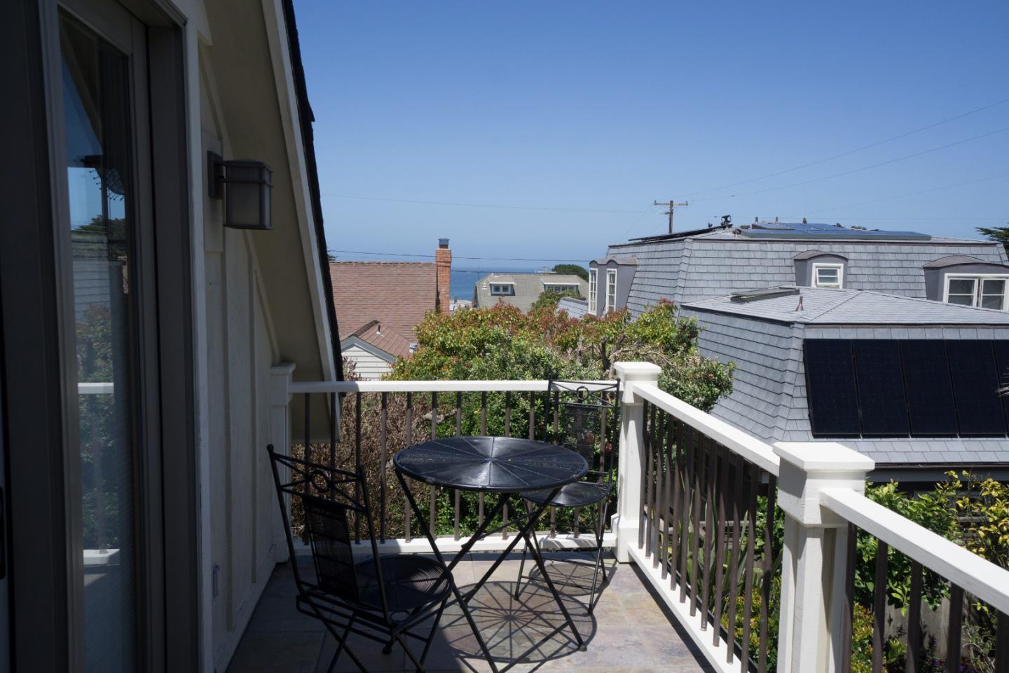 Additional photo for property listing at 1008 Ripple Avenue  Pacific Grove, California 93950 Estados Unidos