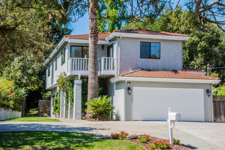 Maison unifamiliale pour l Vente à 17120 La Rinconada Drive Monte Sereno, Californie 95030 États-Unis