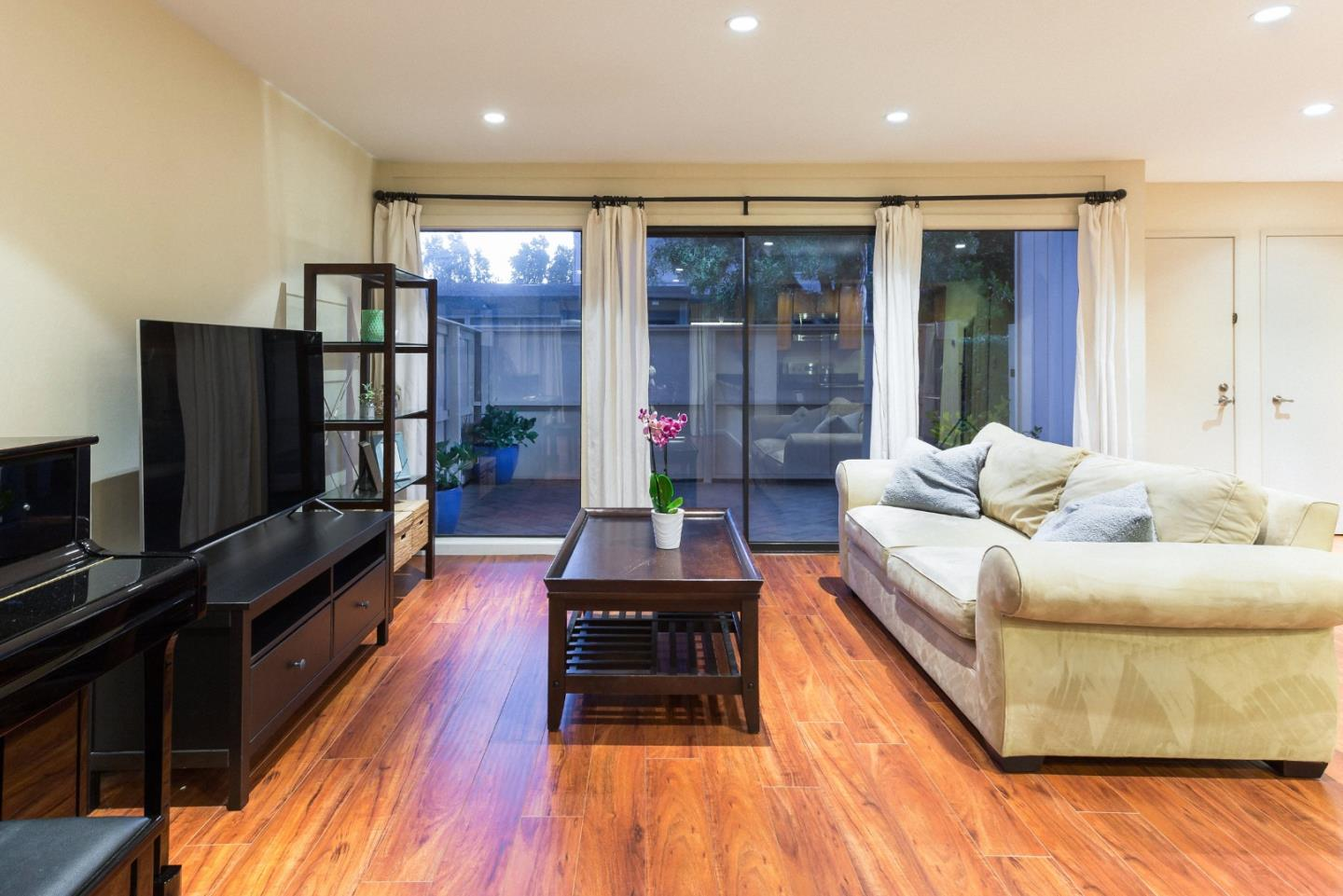 Additional photo for property listing at 875 Brookline Drive  Sunnyvale, 加利福尼亞州 94087 美國