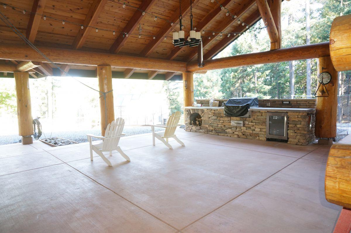 Additional photo for property listing at 781 Ridgeville Road 781 Ridgeville Road Trinity Center, Californie 96091 États-Unis