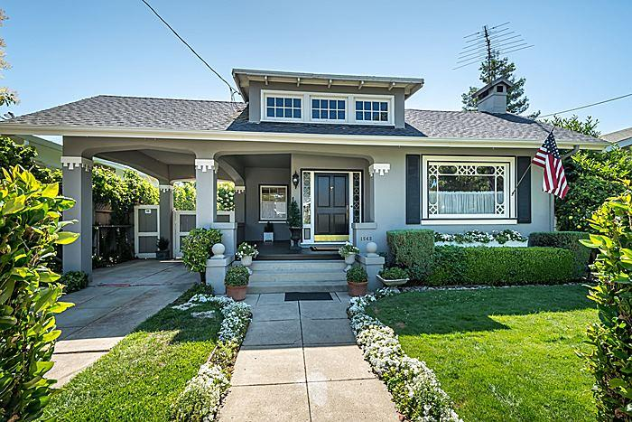 獨棟家庭住宅 為 出售 在 1543 Cypress Avenue Burlingame, 加利福尼亞州 94010 美國