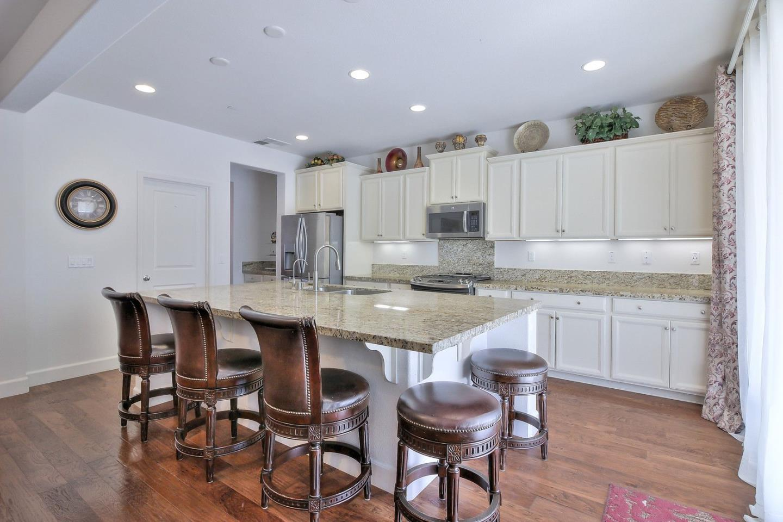 Additional photo for property listing at 2007 Bridlewood Street  Hollister, 加利福尼亞州 95023 美國