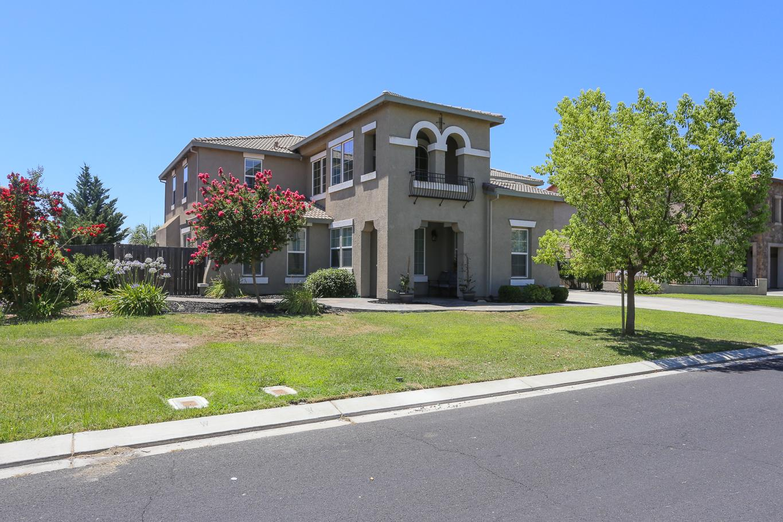 Maison unifamiliale pour l Vente à 15115 Torrey Pines Circle Chowchilla, Californie 93610 États-Unis