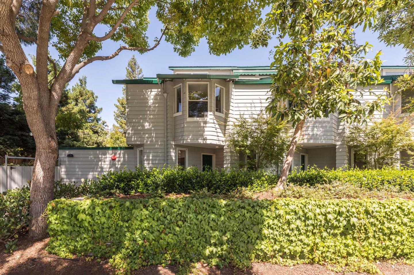 Additional photo for property listing at 725 Loma Verde Avenue  Palo Alto, California 94303 United States