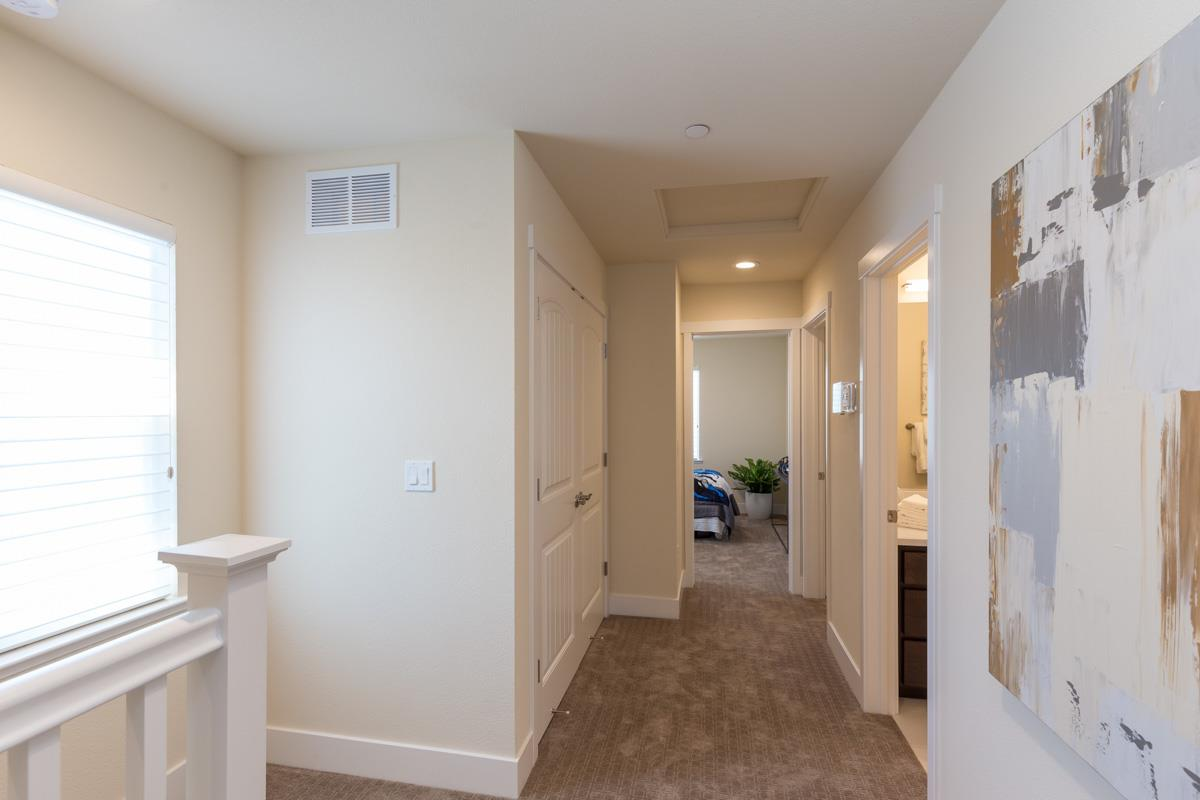 Additional photo for property listing at 516 San Augusto Terrace  Sunnyvale, California 94085 United States
