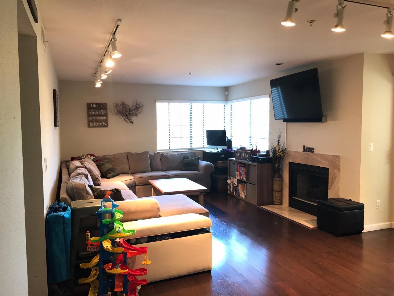 شقة بعمارة للـ Sale في 440 Quail Run Court Del Rey Oaks, California 93940 United States
