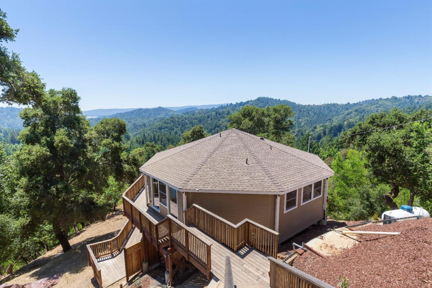 Additional photo for property listing at 25322 Hutchinson Road  Los Gatos, 加利福尼亞州 95033 美國