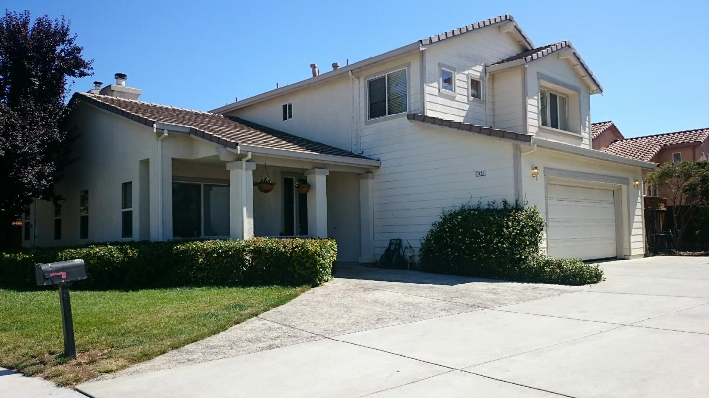 Additional photo for property listing at 1351 Trente Court  Hollister, Californie 95023 États-Unis