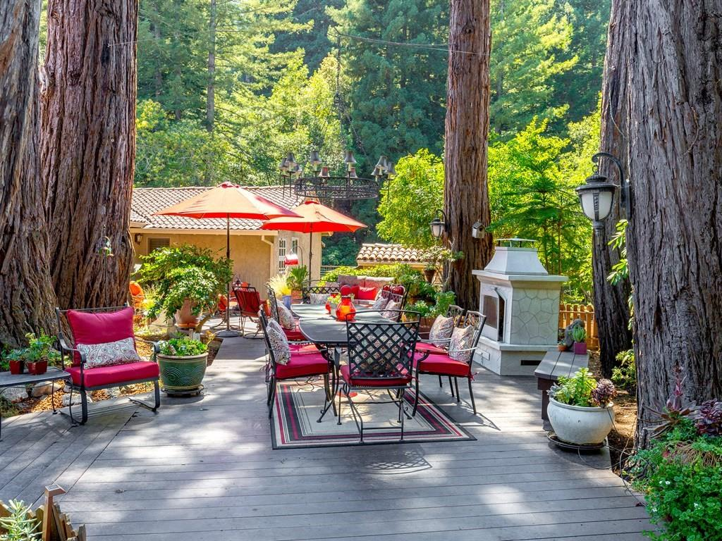 واحد منزل الأسرة للـ Sale في 420 Aurora Road Soquel, California 95073 United States