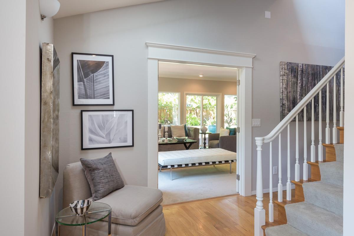 Additional photo for property listing at 1086 Russell Avenue  Los Altos, California 94024 United States