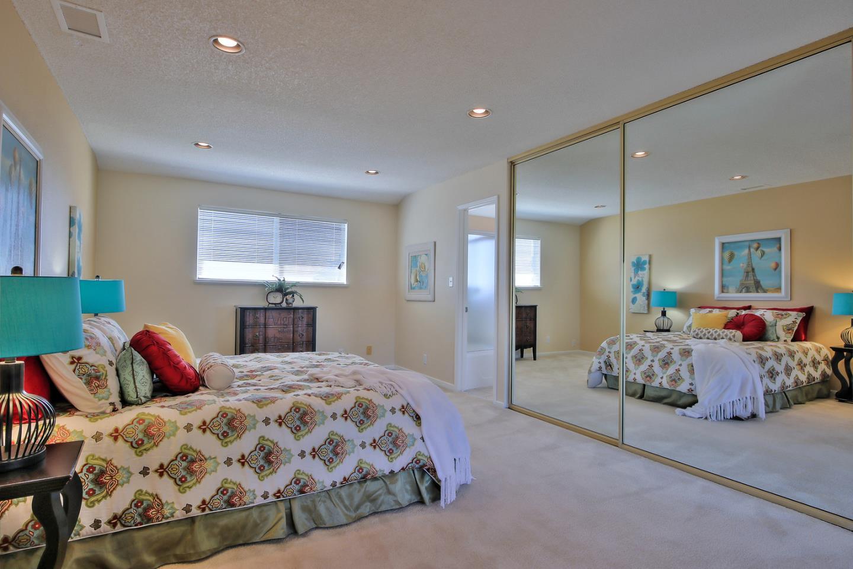 Additional photo for property listing at 950 MacDuff Court 950 MacDuff Court San Jose, California 95127 Estados Unidos