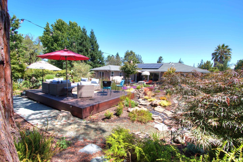 Casa Unifamiliar por un Venta en 2452 Alameda De Las Pulgas Woodside, California 94061 Estados Unidos
