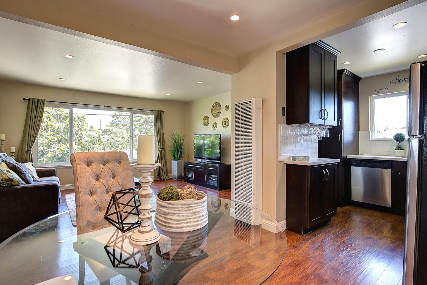 Additional photo for property listing at 1217 Paloma Avenue  Burlingame, カリフォルニア 94010 アメリカ合衆国