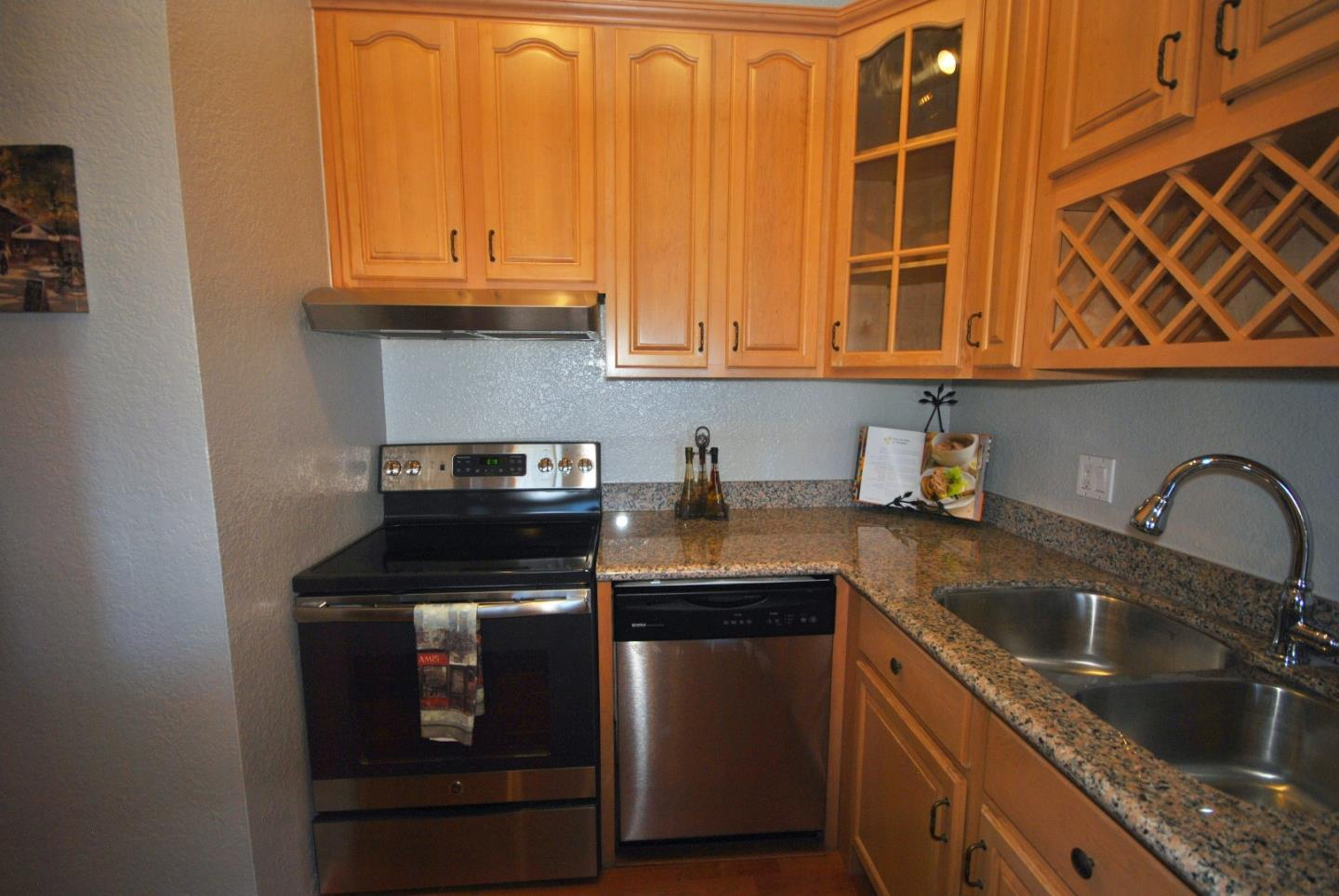 Additional photo for property listing at 3550 Carter Drive  South San Francisco, Kalifornien 94080 Vereinigte Staaten