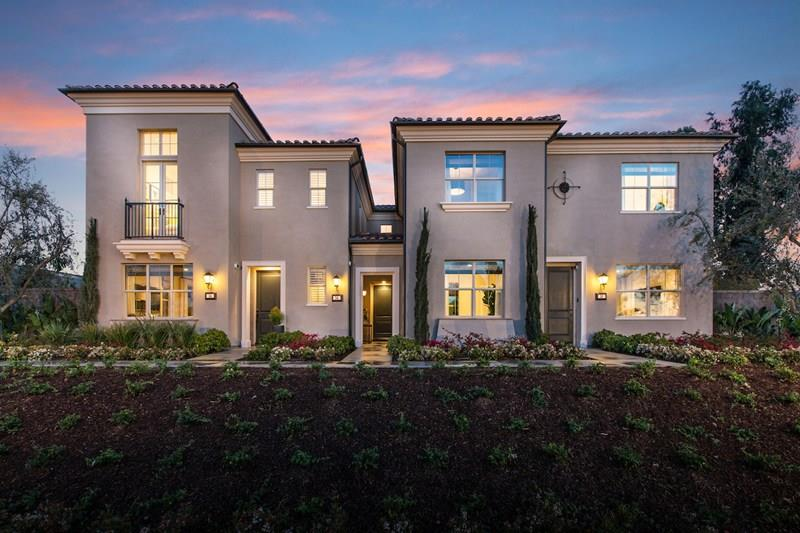 Additional photo for property listing at 581 Parkwood  Irvine, California 92620 Estados Unidos