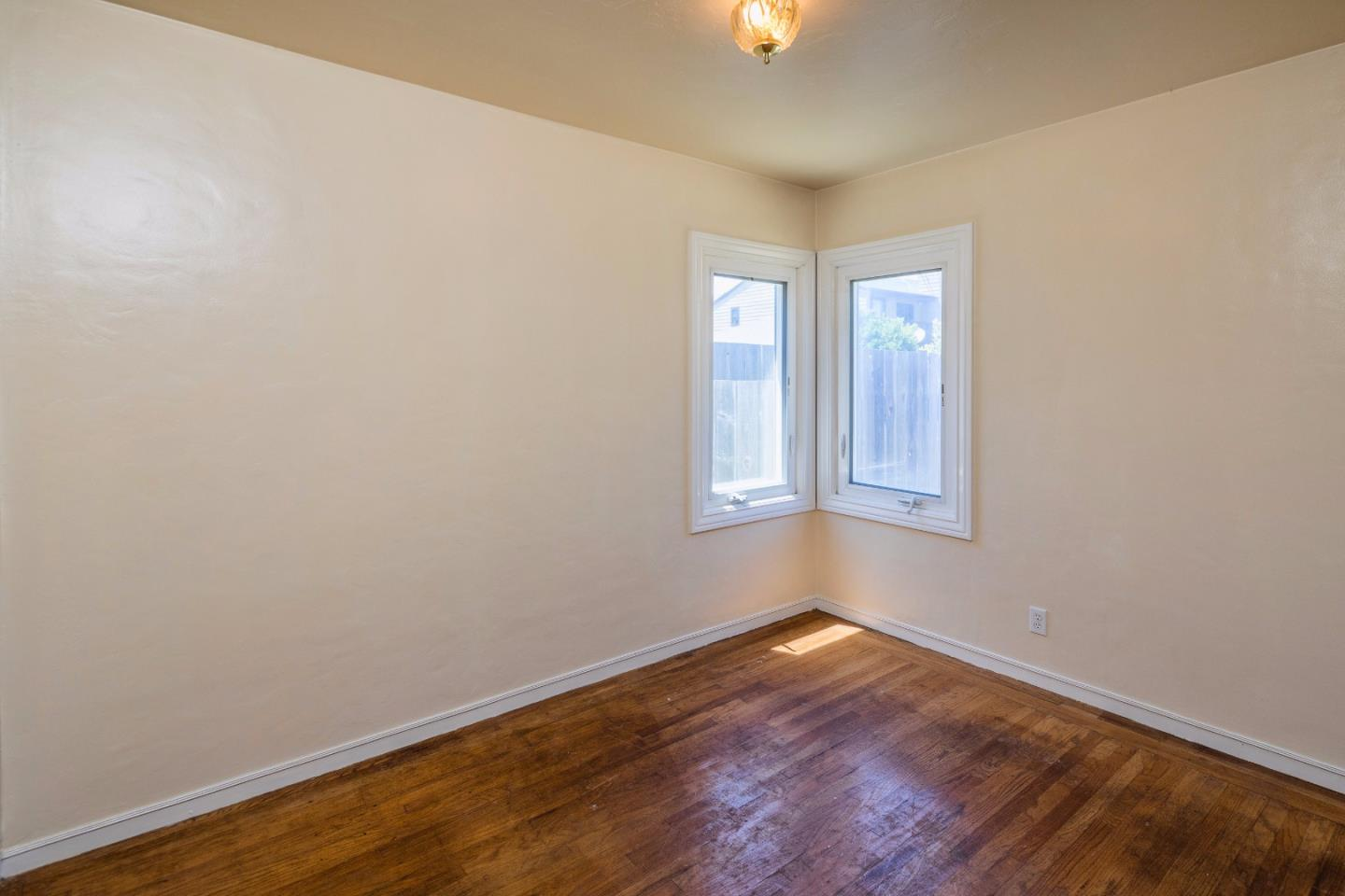 Additional photo for property listing at 122 Euclid Avenue  San Bruno, California 94066 United States