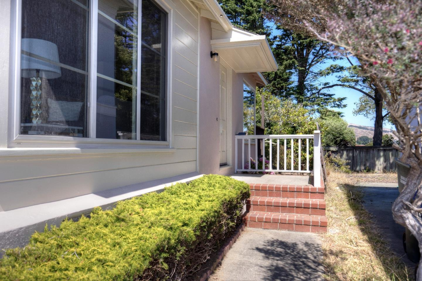 Additional photo for property listing at 25 Conrad Court  South San Francisco, California 94080 Estados Unidos