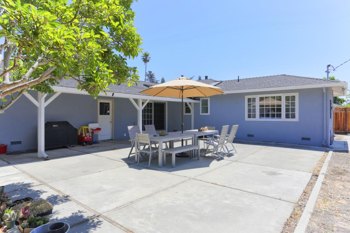 Additional photo for property listing at 139 Roger Drive  Santa Cruz, Kalifornien 95060 Vereinigte Staaten