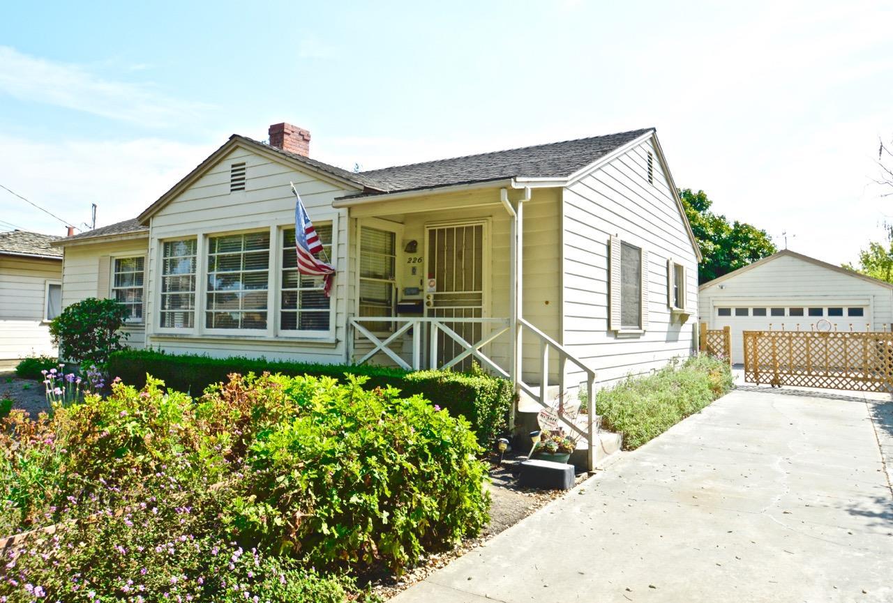 Casa Unifamiliar por un Venta en 226 San Miguel Avenue Salinas, California 93901 Estados Unidos