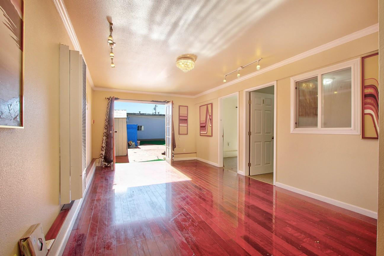 Additional photo for property listing at 1655 46th Avenue  San Francisco, Californie 94122 États-Unis