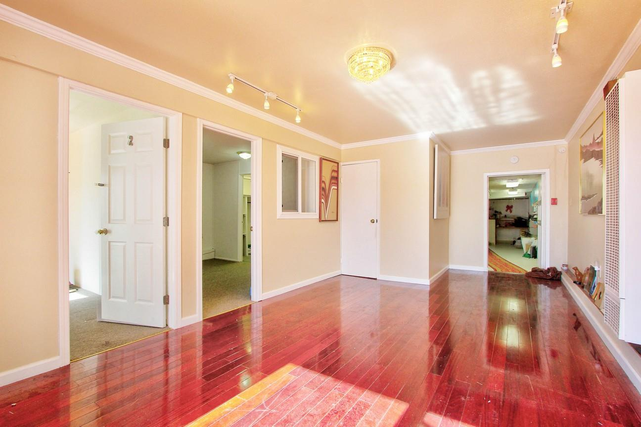 Additional photo for property listing at 1655 46th Avenue  San Francisco, California 94122 United States