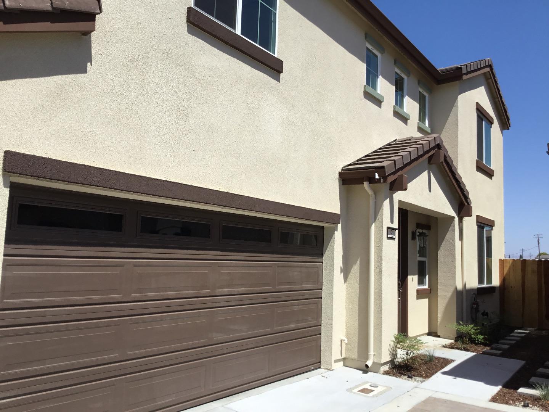 Einfamilienhaus für Verkauf beim 232 Slate Avenue Hollister, Kalifornien 95023 Vereinigte Staaten