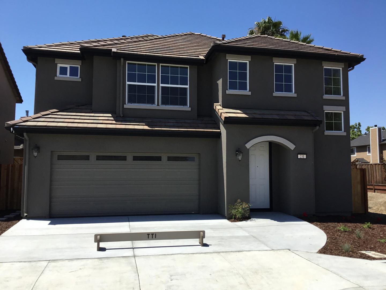 Casa Unifamiliar por un Venta en 231 Slate Avenue Hollister, California 95023 Estados Unidos
