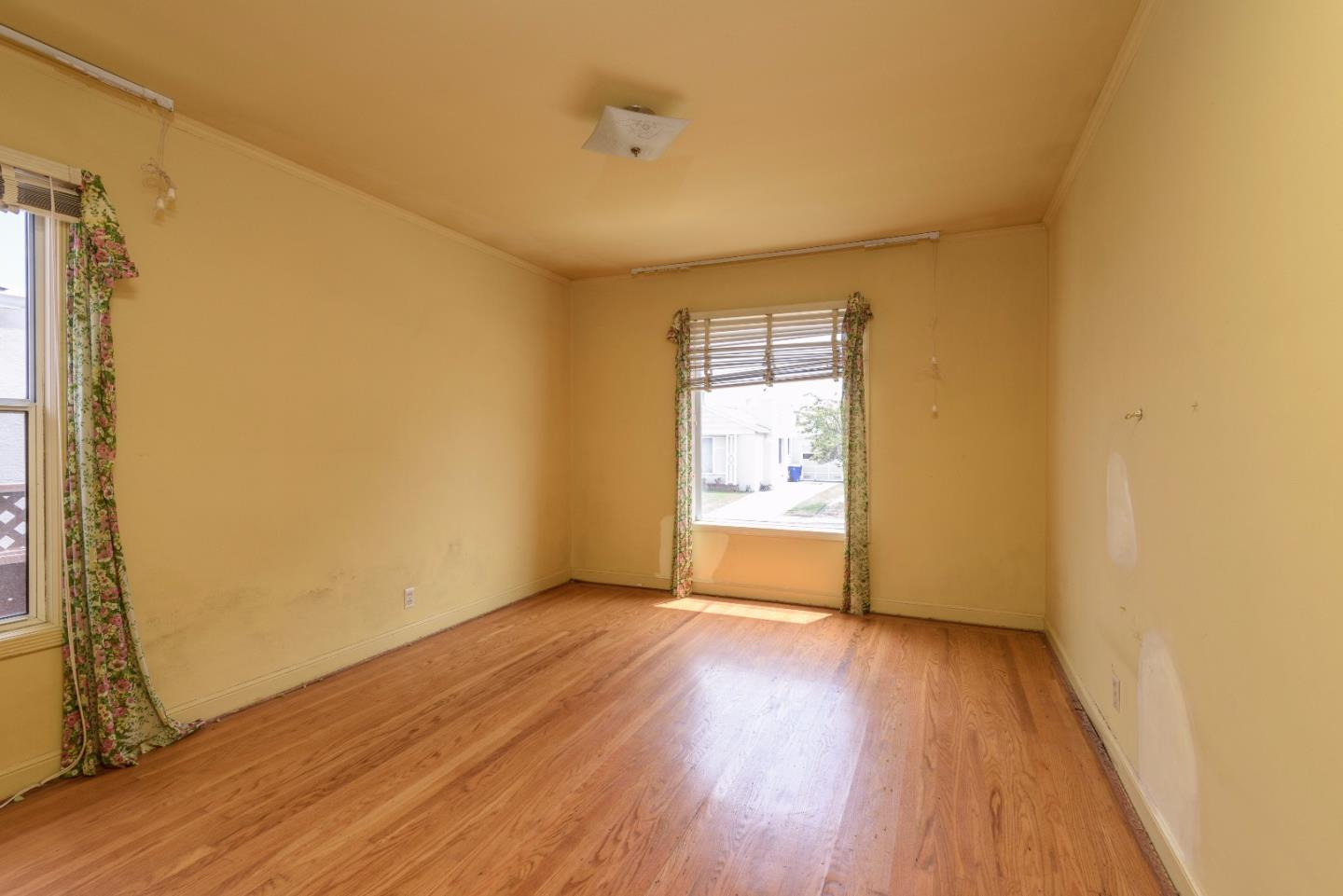 Additional photo for property listing at 414 Northwood Drive  South San Francisco, California 94080 Estados Unidos