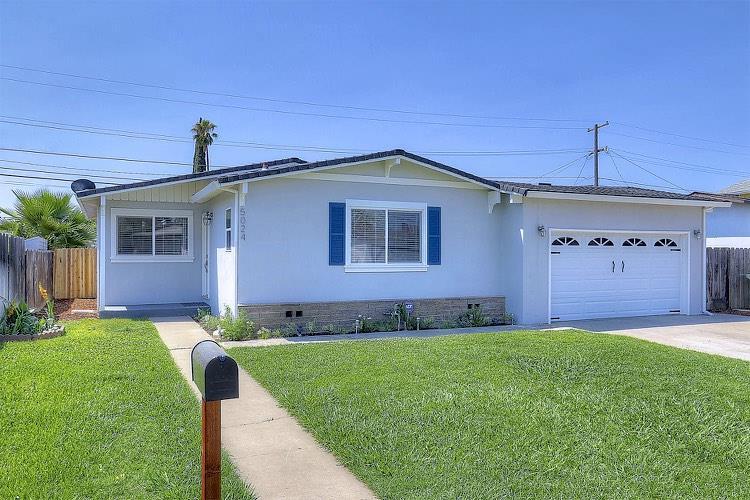 Частный односемейный дом для того Продажа на 5024 Parks Avenue Salida, Калифорния 95368 Соединенные Штаты