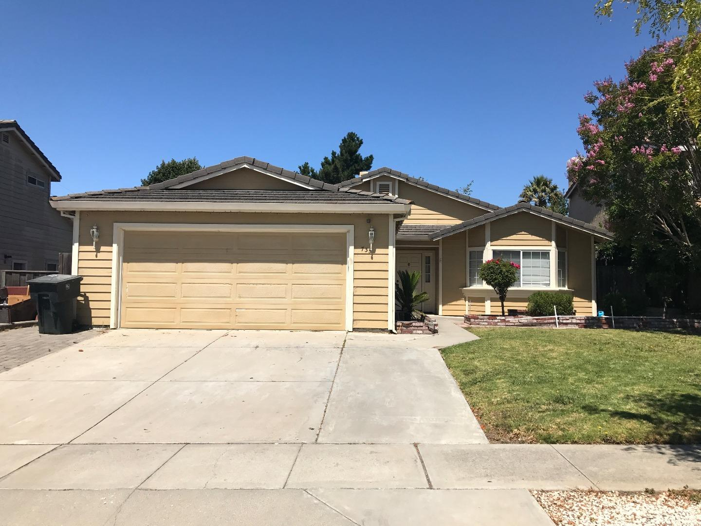 Additional photo for property listing at 735 Geneva Way  Salinas, 加利福尼亞州 93907 美國
