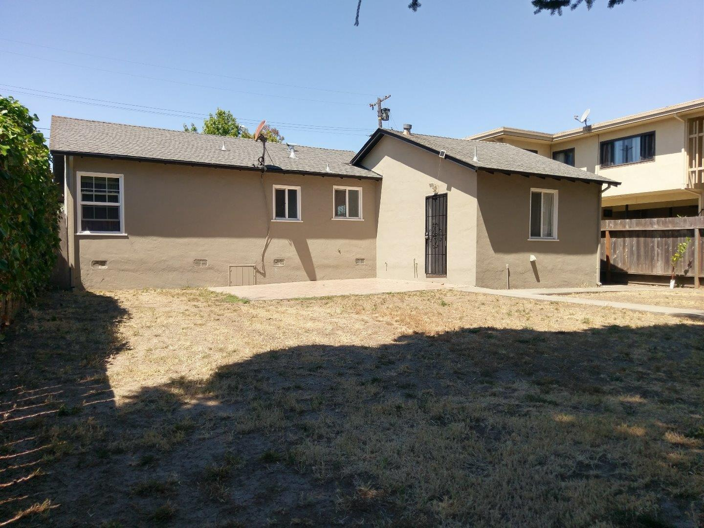 Additional photo for property listing at 270 Milton Avenue  San Bruno, Californie 94066 États-Unis