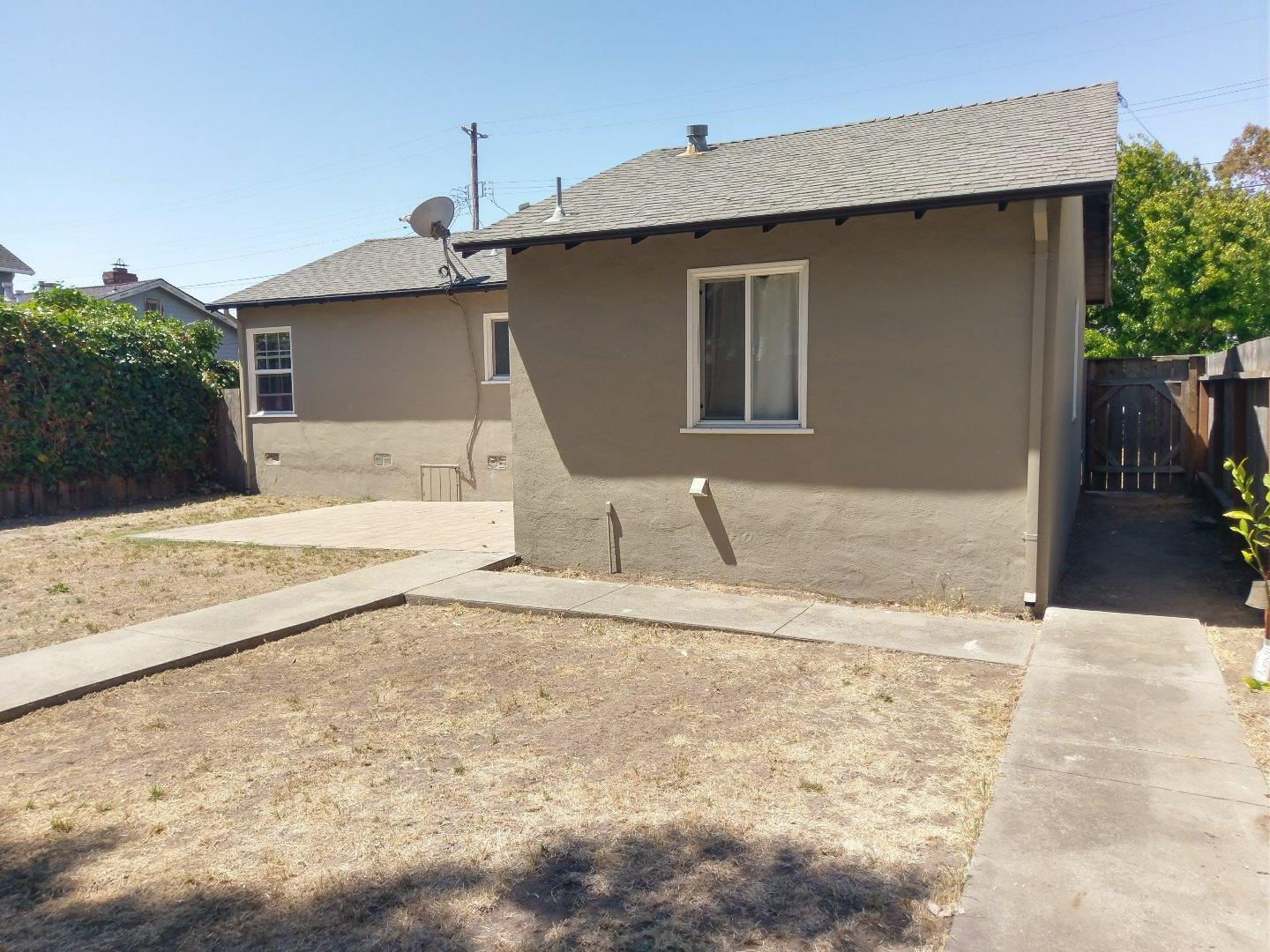 Additional photo for property listing at 270 Milton Avenue  San Bruno, California 94066 United States
