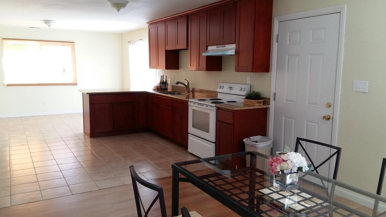 Additional photo for property listing at 14 Buchanan Court  East Palo Alto, California 94303 Estados Unidos