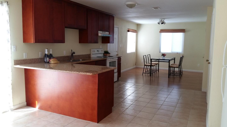 Additional photo for property listing at 14 Buchanan Court  East Palo Alto, Californie 94303 États-Unis