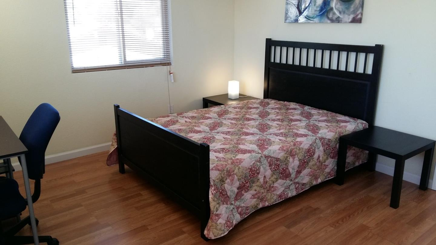 Additional photo for property listing at 14 Buchanan Court  East Palo Alto, カリフォルニア 94303 アメリカ合衆国