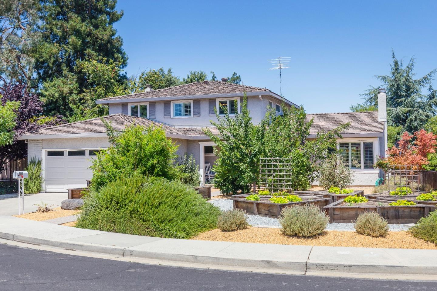 Single Family Home for Sale at 2609 Neves Court Santa Clara, California 95051 United States