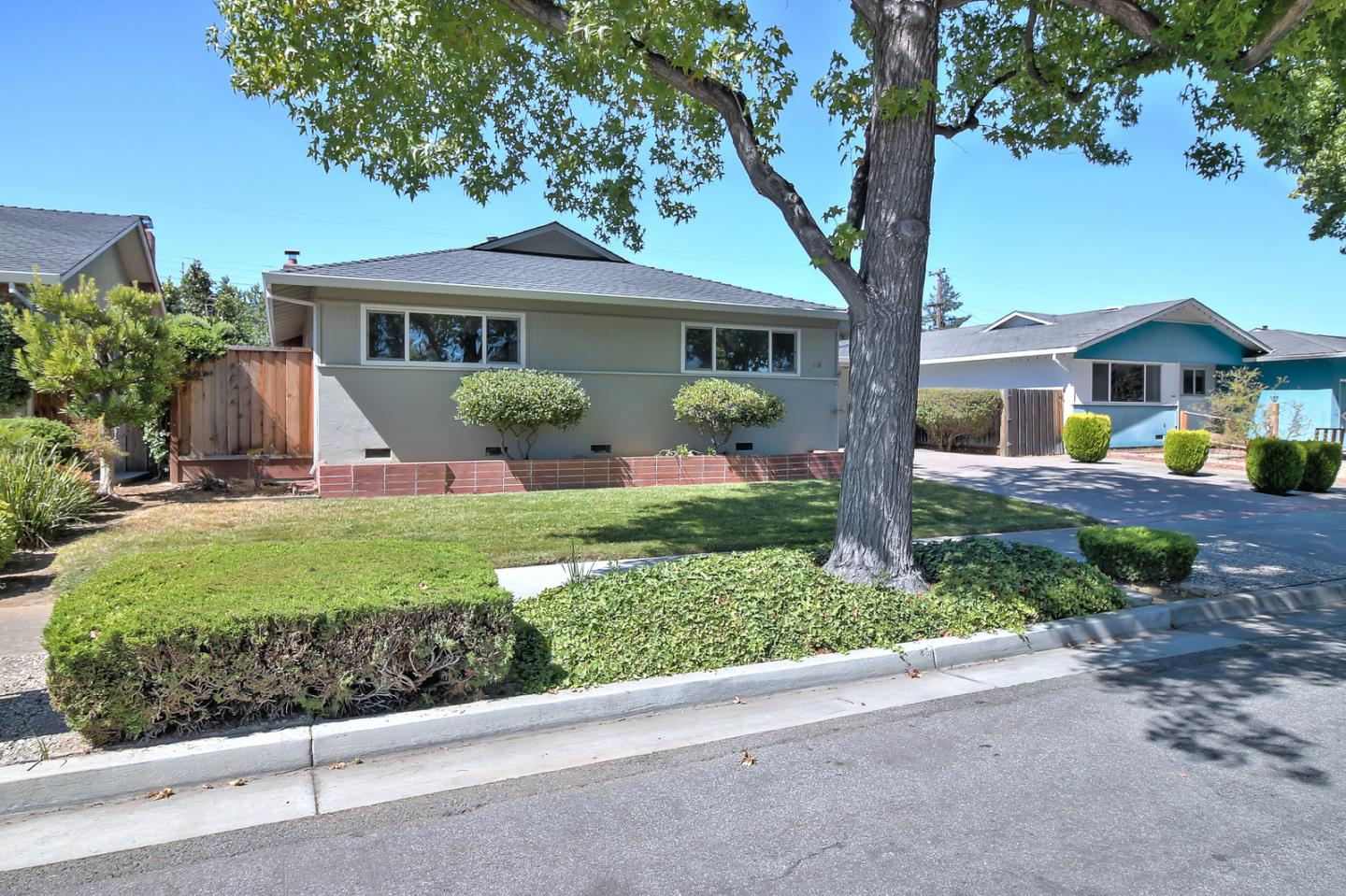 Additional photo for property listing at 805 Fife Way  Sunnyvale, California 94087 United States