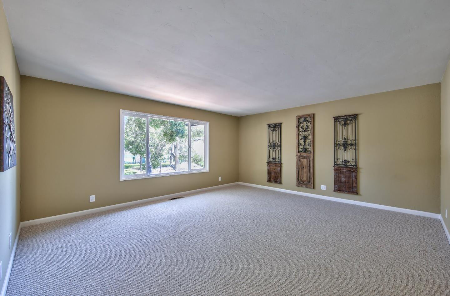 Additional photo for property listing at 9440 Valley Oak Way  Salinas, Kalifornien 93907 Vereinigte Staaten