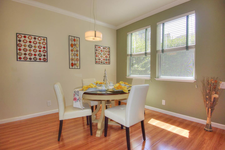 Additional photo for property listing at 208 Mendocino Way  Redwood City, Калифорния 94065 Соединенные Штаты