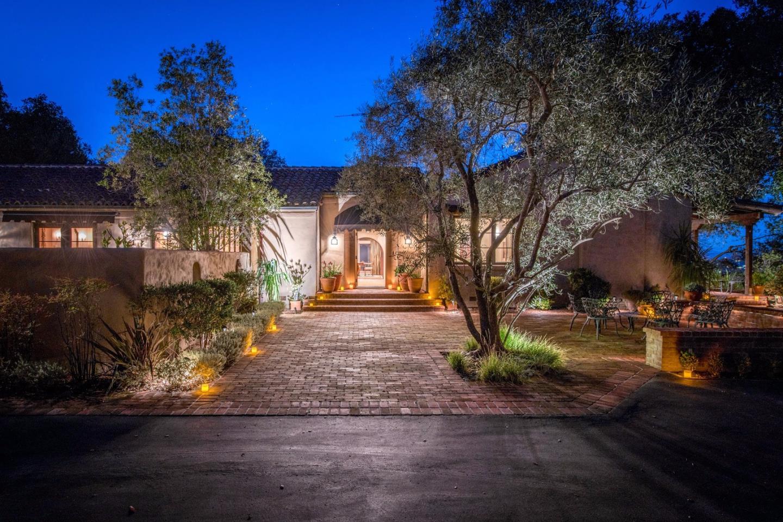 Maison unifamiliale pour l Vente à 15625 PEACH HILL Road Saratoga, Californie 95070 États-Unis