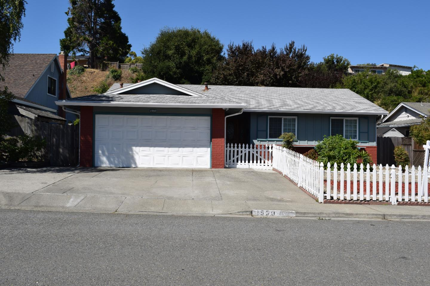 Single Family Home for Sale at 1550 Kildare Way Pinole, California 94564 United States