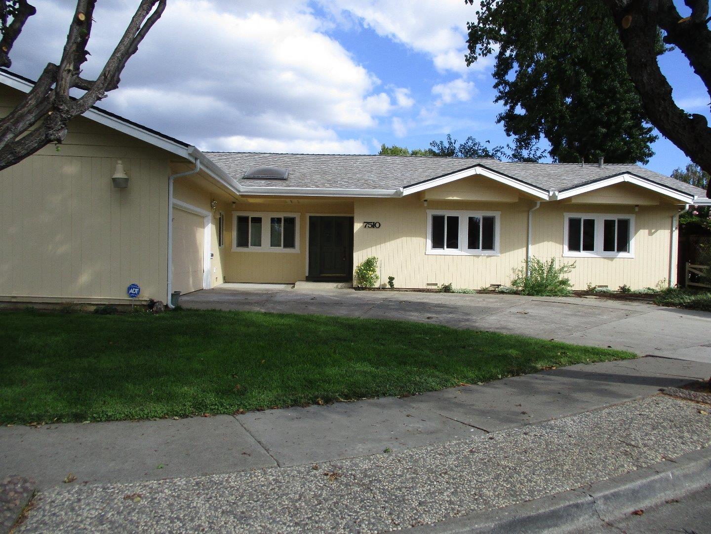 Частный односемейный дом для того Аренда на 7510 Westwood Drive 7510 Westwood Drive Gilroy, Калифорния 95020 Соединенные Штаты