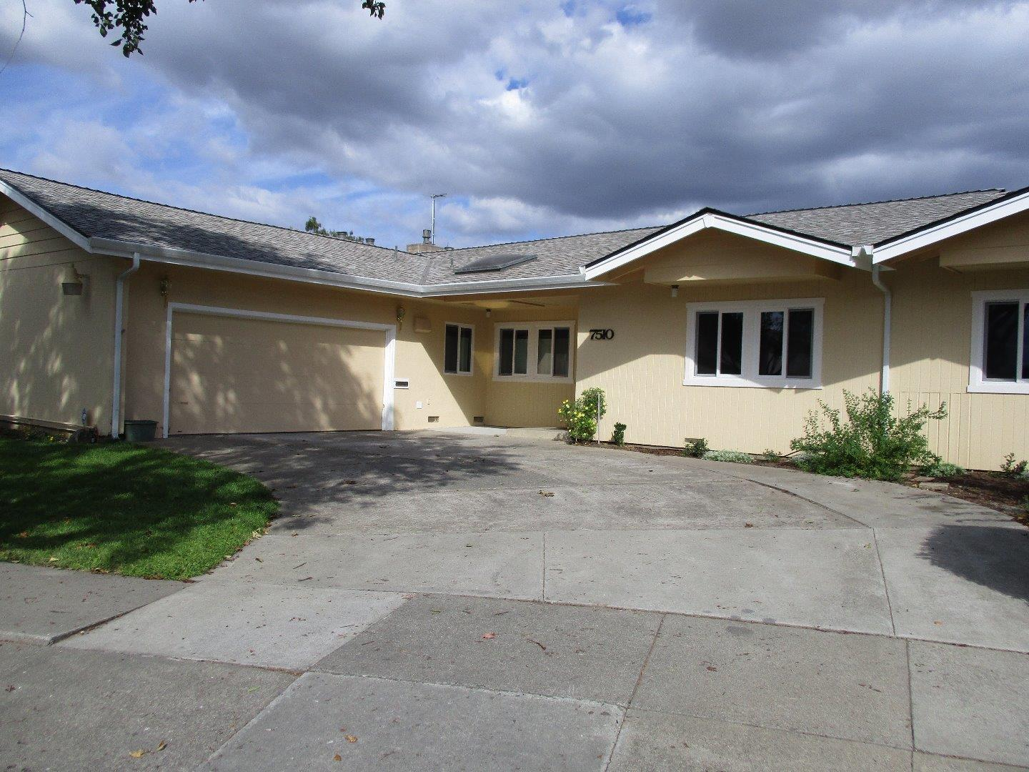 Additional photo for property listing at 7510 Westwood Drive  Gilroy, カリフォルニア 95020 アメリカ合衆国