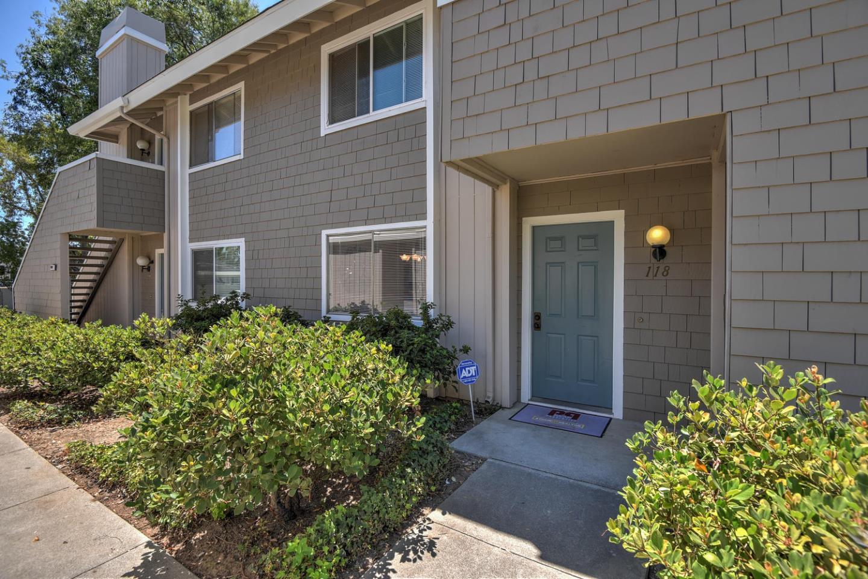 شقة بعمارة للـ Sale في 5502 Sean Circle San Jose, California 95123 United States
