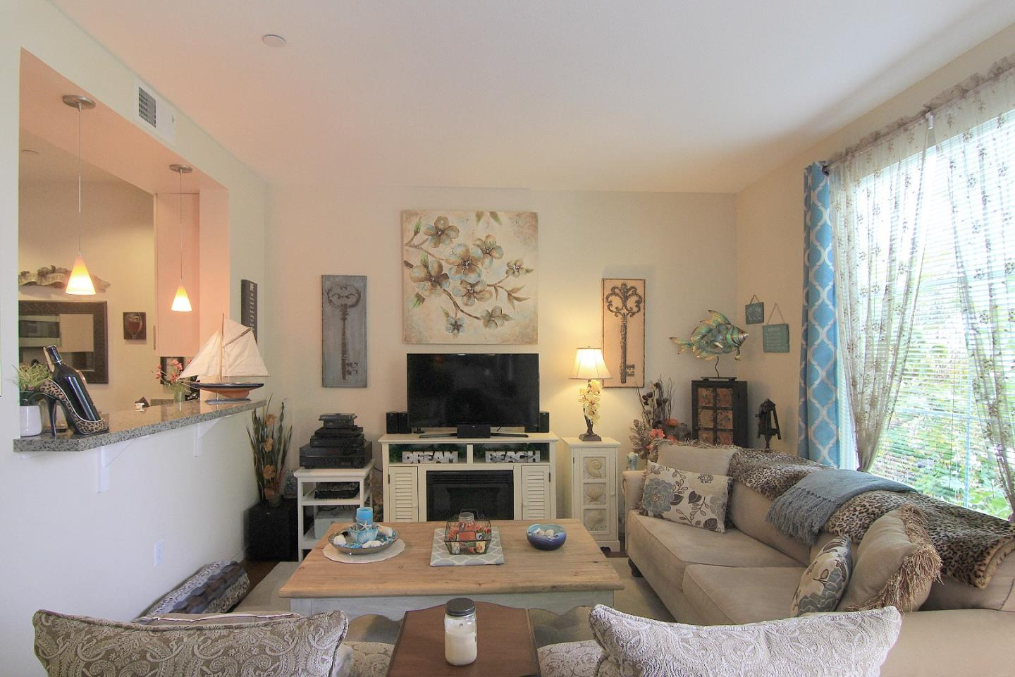 Additional photo for property listing at 1066 41st Avenue  Capitola, カリフォルニア 95010 アメリカ合衆国