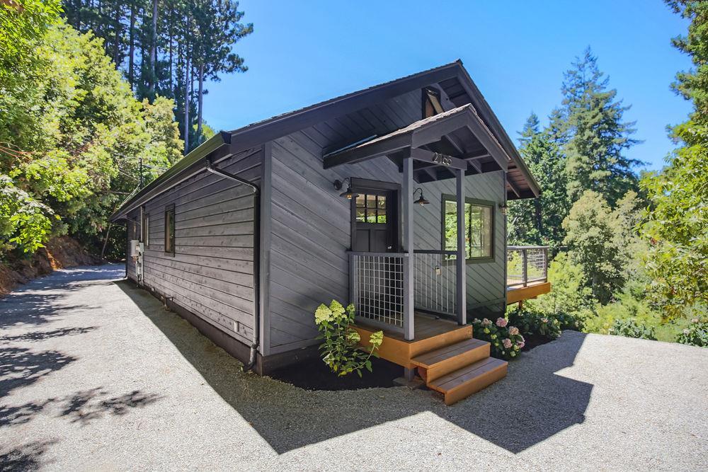 واحد منزل الأسرة للـ Sale في 2165 Upper Scenic Drive 2165 Upper Scenic Drive Felton, California 95018 United States