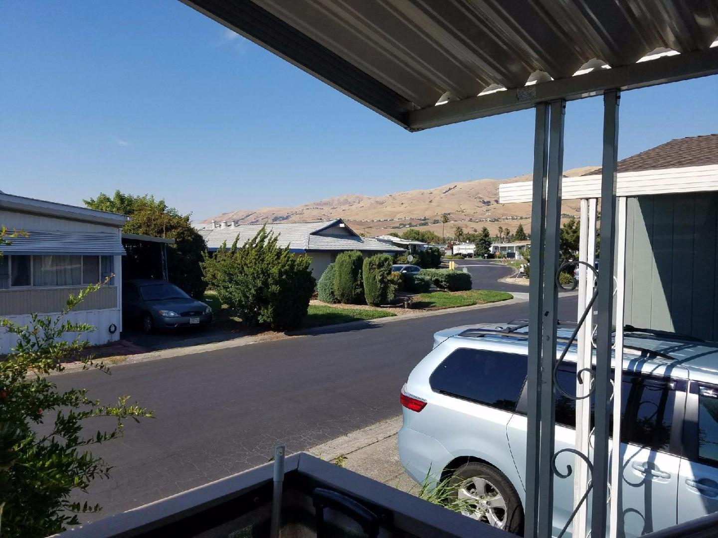 Additional photo for property listing at 120 Dixon Landing Road 120 Dixon Landing Road Milpitas, Californie 95035 États-Unis