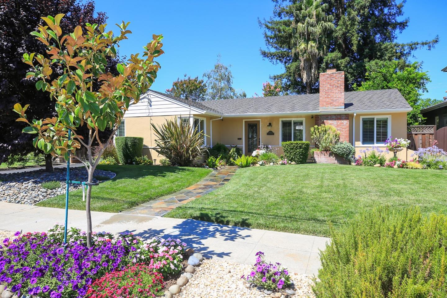 Single Family Home for Sale at 1653 Collingwood Avenue San Jose, California 95125 United States