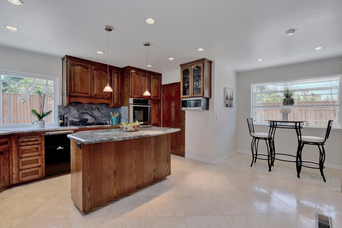 Additional photo for property listing at 1210 Hamida Court  San Jose, カリフォルニア 95120 アメリカ合衆国