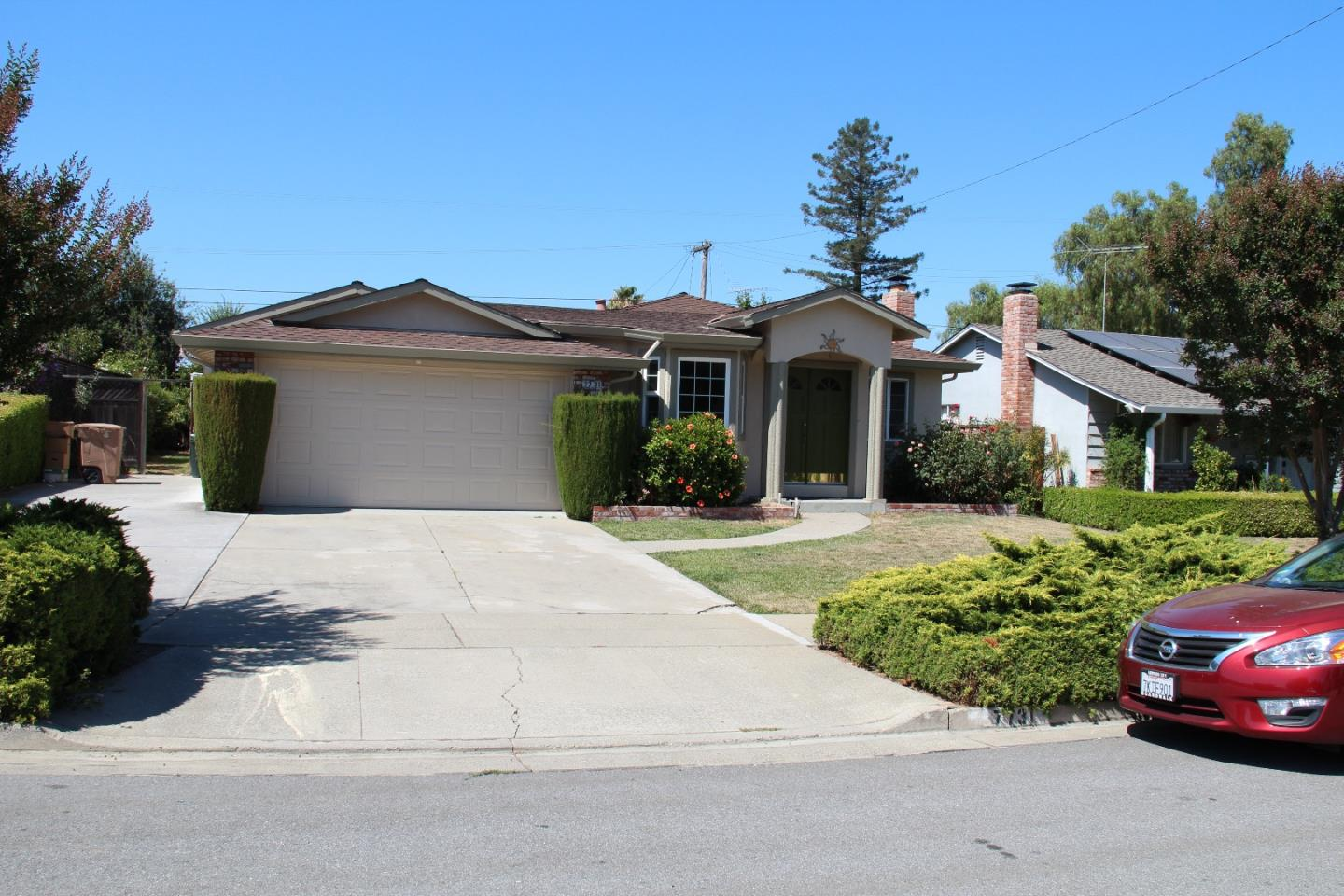 Casa Unifamiliar por un Alquiler en 7731 Carriage Circle Cupertino, California 95014 Estados Unidos